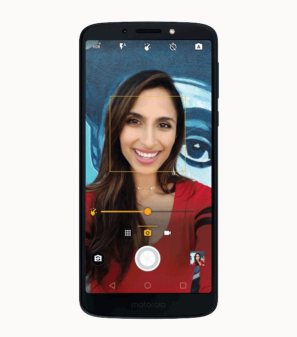 moto-g6play-pdp-fullbleedhalf-selfie-desno